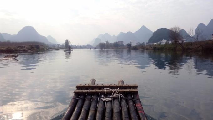 而且速度可快可慢,得以慢慢的欣赏沿途的风景,桂林山水果然名不虚传