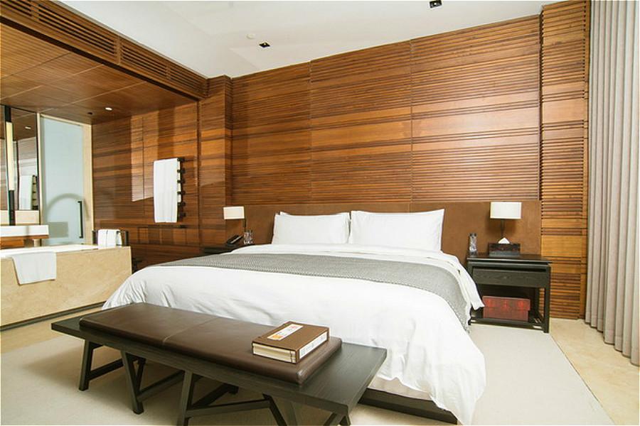 酒店客房 青岛涵碧楼全部为海景套房,房型面积为100平米.