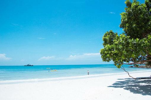 和人潮汹涌的金沙滩(金沙岛),前往【沙美岛】位于泰国湾上的一个小岛
