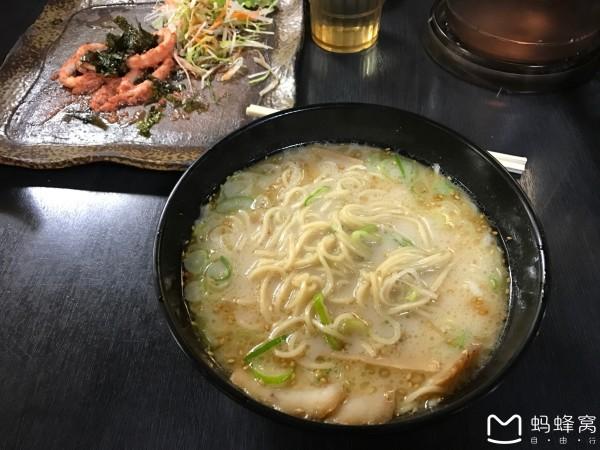 神户 游记          飞机上的体验首先从餐食开始说起,除了正常的餐食