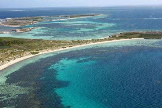 珀斯 西澳粉红湖 阿布洛霍斯群岛观光飞行之旅 (杰拉尔顿出发 一半
