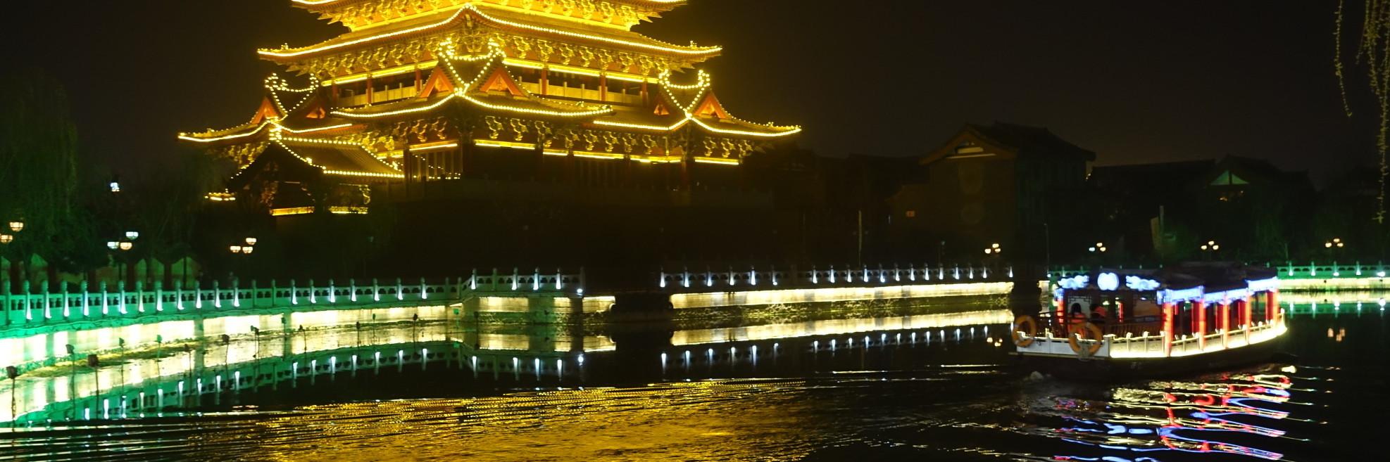 船游开封大宋御河,领略水波淼渺璀璨华灯