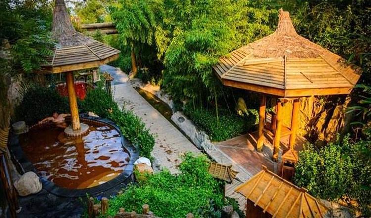 威海天沐温泉度假村地处胶东半岛东端,南临黄海,与韩国,日本隔海