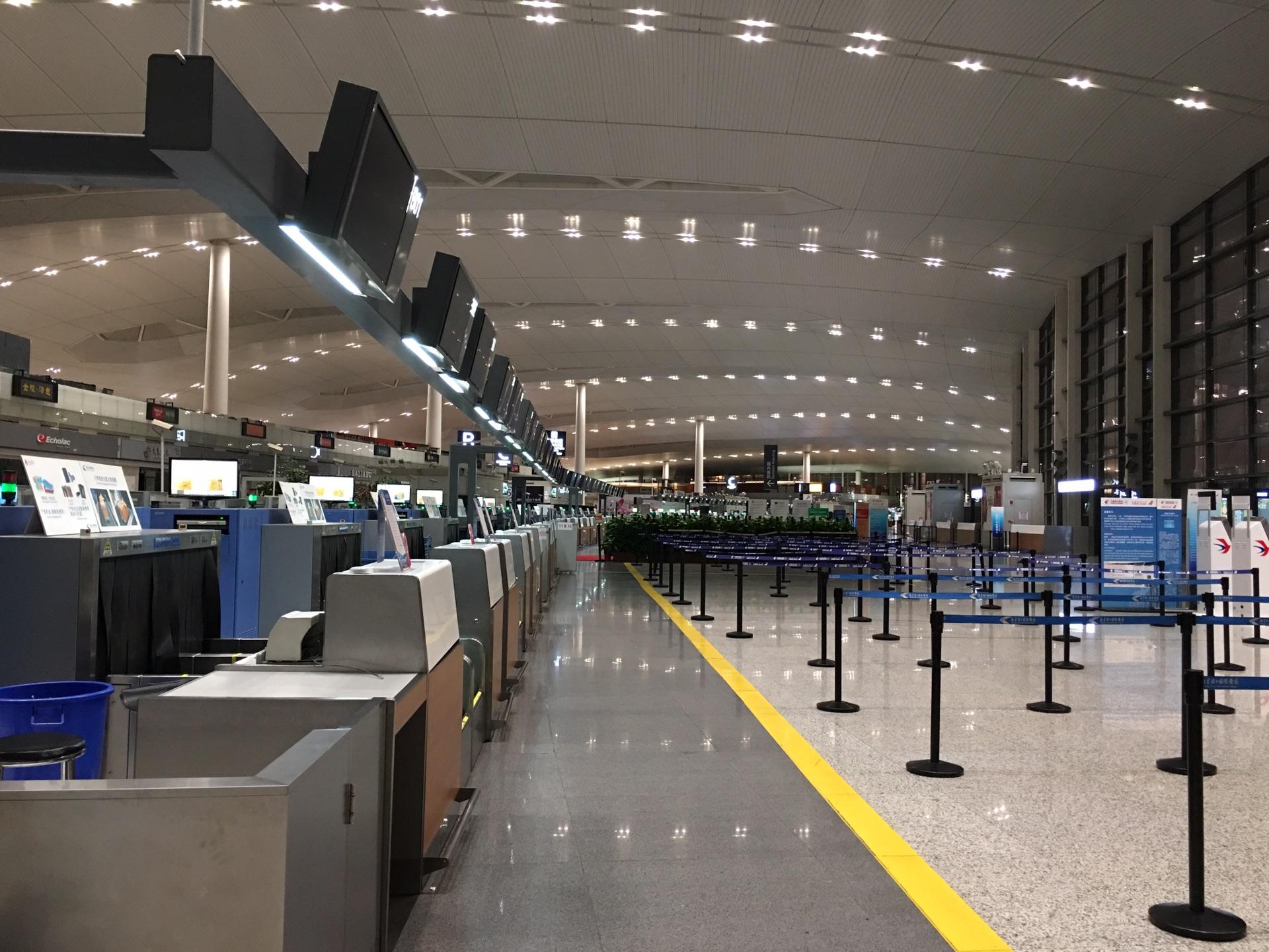 夜宿禄口机场