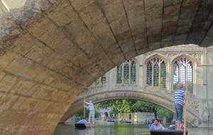 【剑桥图片】Royal Blue: 女王驾到 庆祝圣约翰500岁生日
