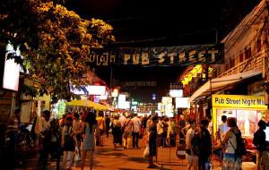 柬埔寨娱乐-暹粒酒吧街