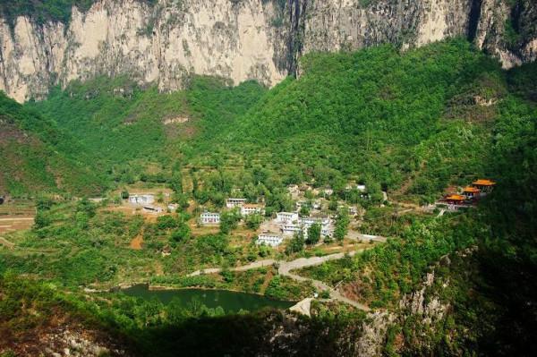 山西省旅游 太行山旅游攻略 行游南太行山  青龙峡属太行山大峡谷景区