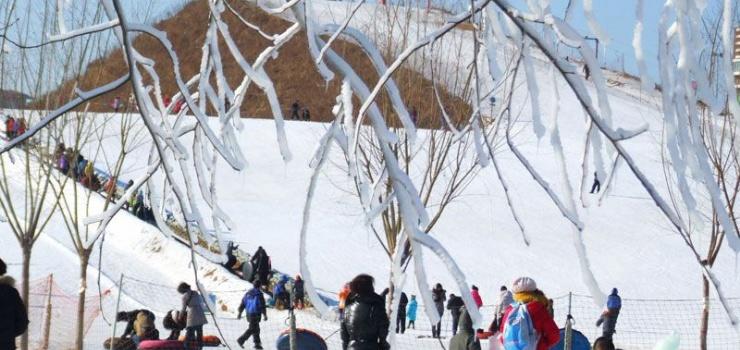 集发滑雪场