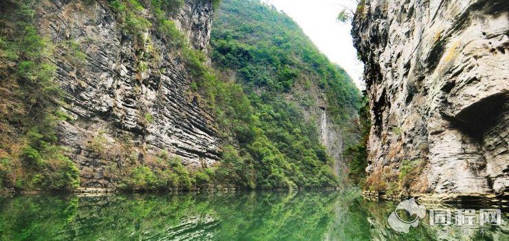 黔江阿蓬江神龟峡景区