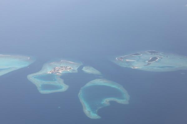 亲切友善岛屿的标志