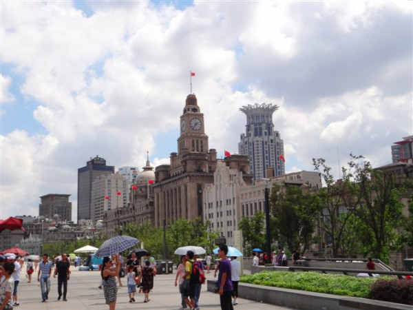 上海城隍庙特色小吃_上海外滩有什么好玩的