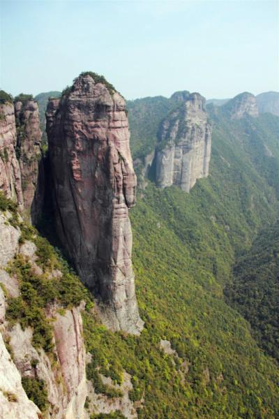 大小神仙居,景星岩,公盂,永安溪绿道,油菜花节,桃花节)及一路上的风景