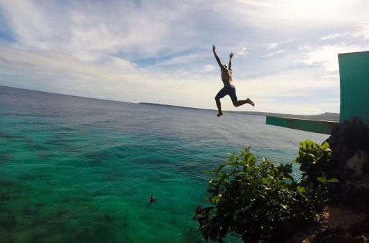 锡基霍尔岛一日游】杜马盖地(capilays公园+小鱼池+千年老树+海上跳水