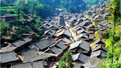 黔东南景点-银潭侗寨