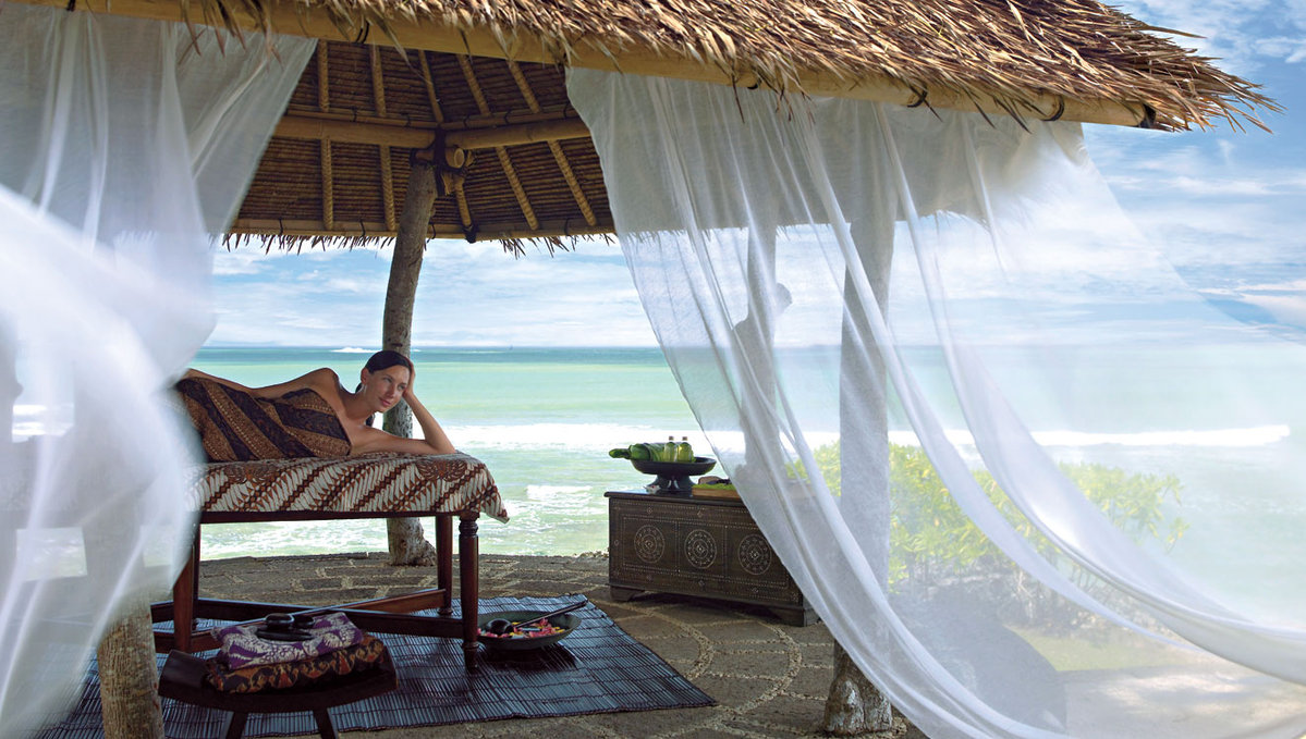 巴厘岛金巴兰四季酒店(顶级五星 75分钟spa)雨浴精髓spa
