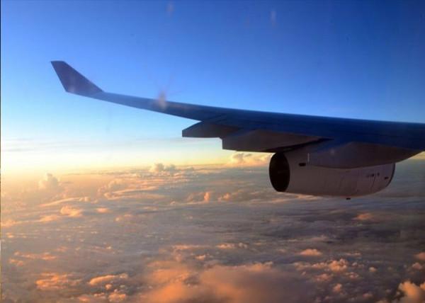 您还可以在飞机上看日出,那赶脚美到极致!