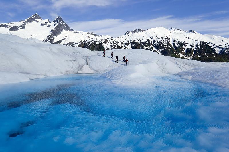 阿拉斯加冰川徒步,亲自踏足这片外太空的幽蓝空间_图1